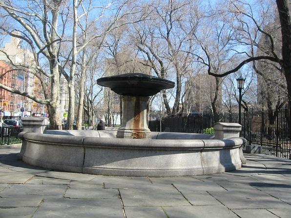 Schiff Fountain in 2008